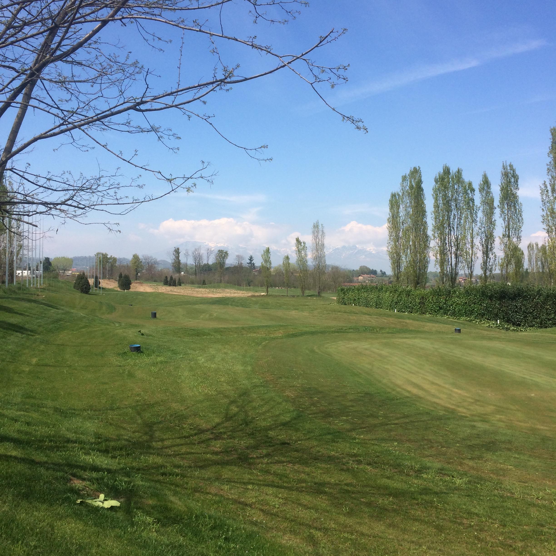 日本のゴルフはカラオケのようだ。
